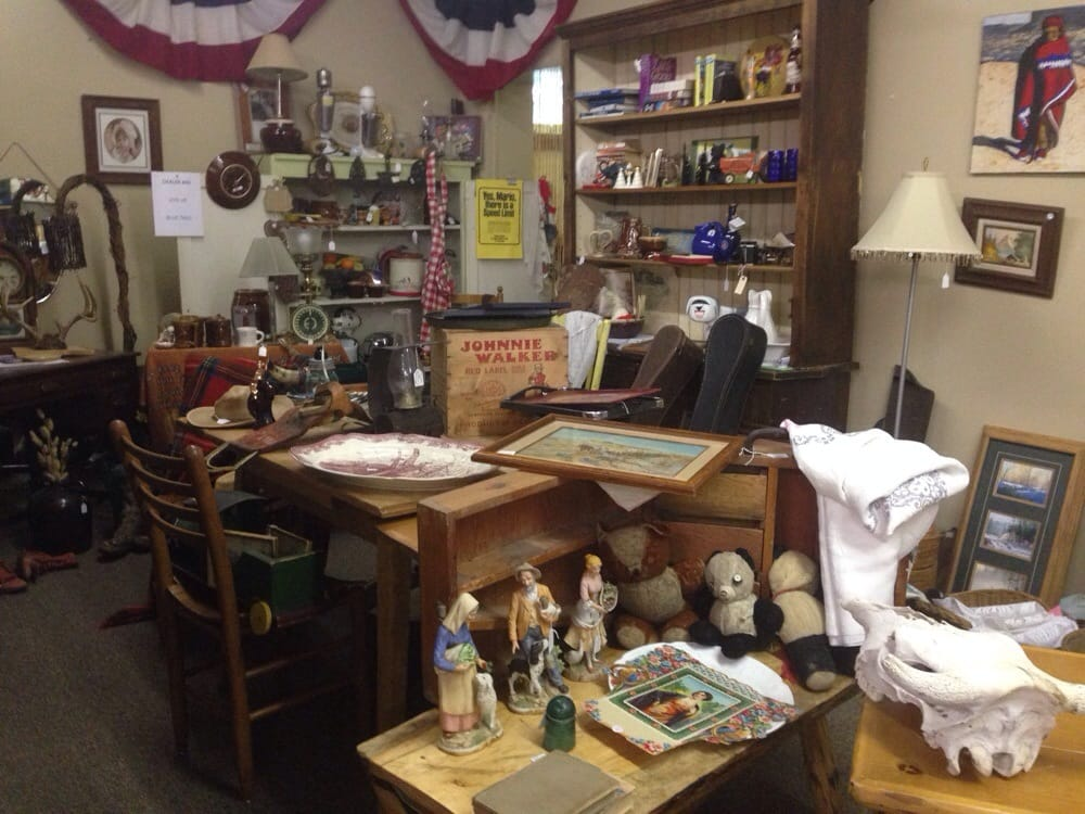 Montana Camp Antiques & Boutiques: 26 East Main St, Belgrade, MT