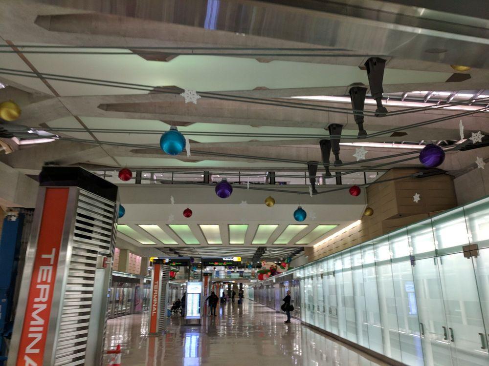 Metropolitan Washington Airports Authority: 1 Saarinen Cir, Dulles, VA