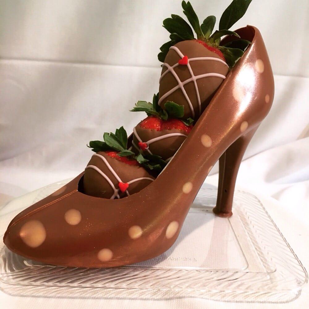 Belgian Milk Chocolate Shoe With Chocolate Dipped