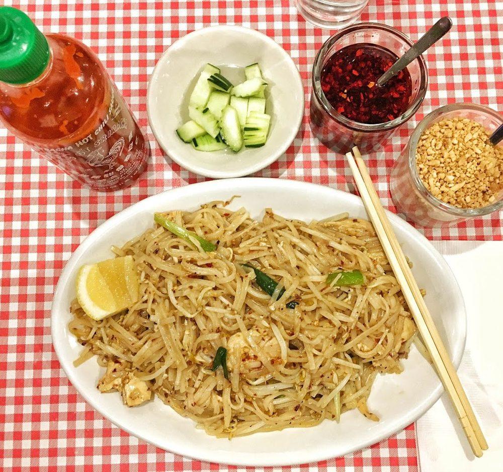 Taste of Thaiyai: 7705 147th St W, Apple Valley, MN
