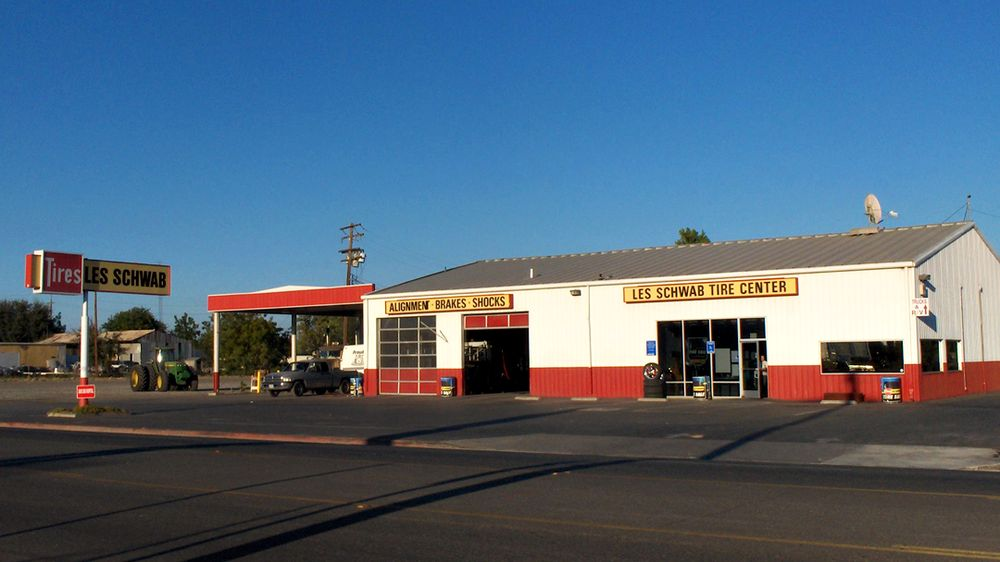 Les Schwab Tire Center: 1742 State Hwy 99, Gridley, CA