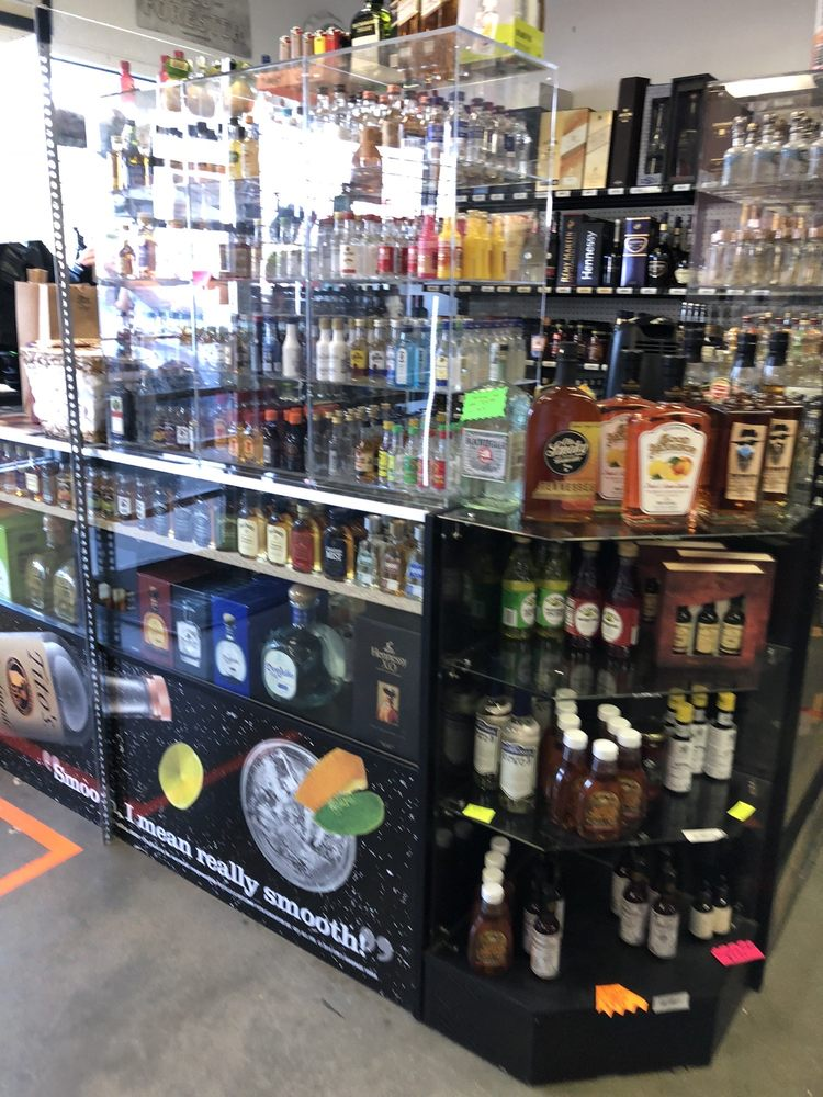 Tucker Beer Wine & Spirits: 3853 Lawrenceville Hwy, Tucker, GA