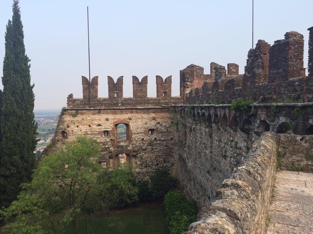 Al castello superiore 21 foto cucina italiana via - B b la finestra sul castello termoli ...