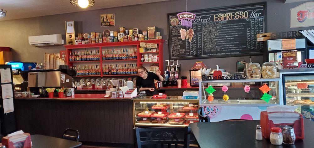 Main Street Bistro and Espresso: 806 Main St, St Maries, ID