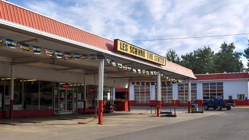 Les Schwab Tire Center: 551 W Main St, John Day, OR