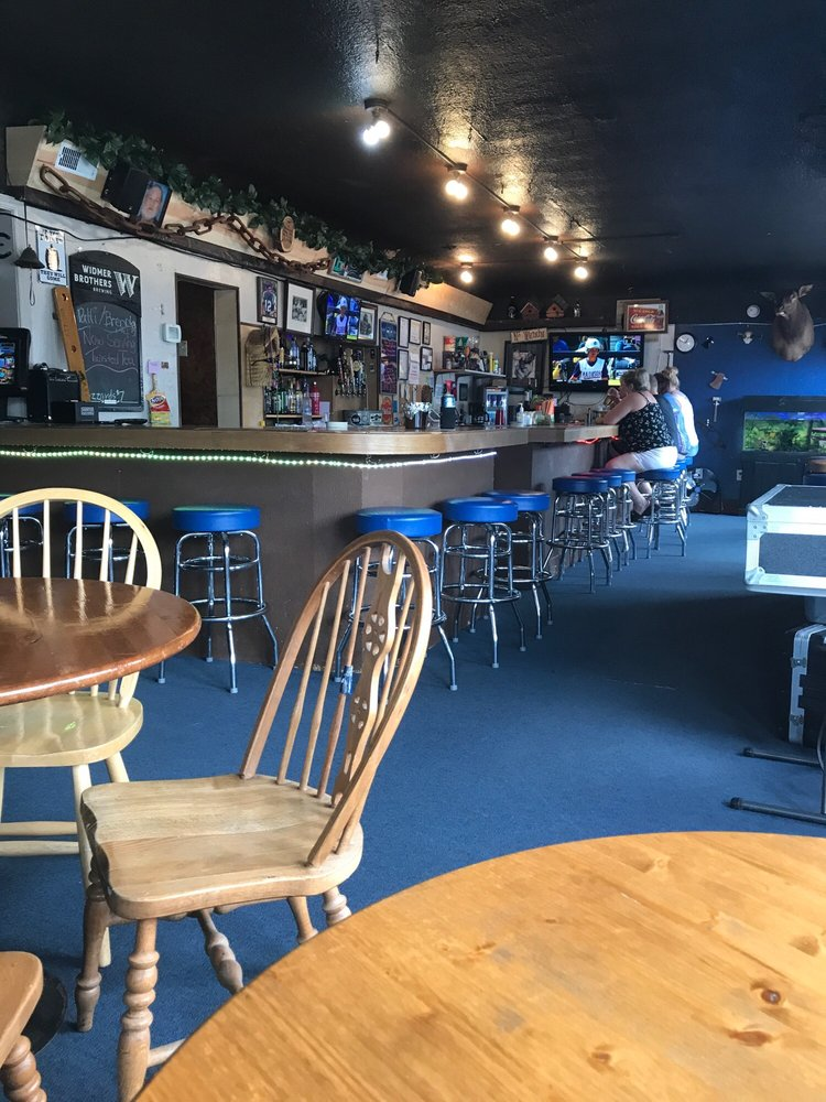 Woodshed Bar & Grill: 23698 WA-3, Belfair, WA