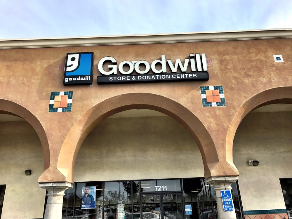 Goodwill Highland Store and Donation Center: 7197 Boulder Ave, Highland, CA