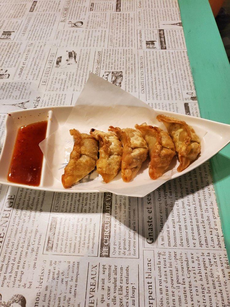 Chick Chick Pork Pork: 3810 Pepperell Pkwy, Opelika, AL