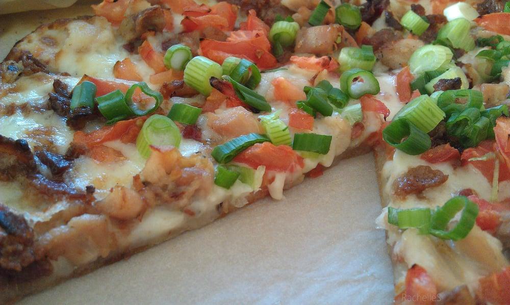 Gluten Free Chicken Club Pizza creamy garlic sauce ...
