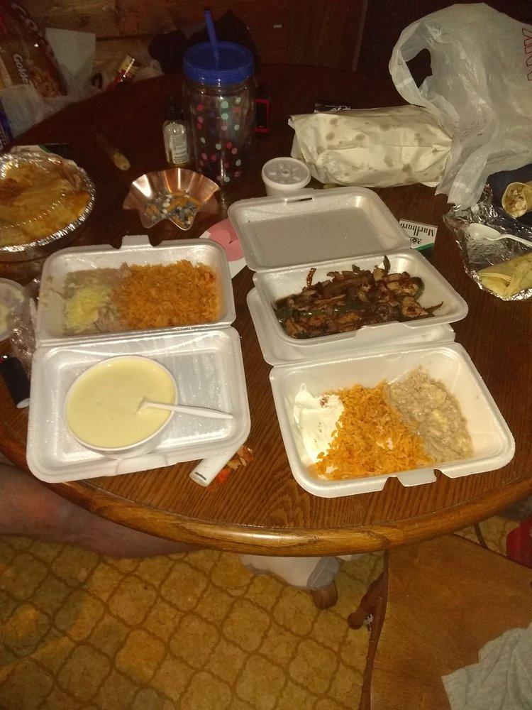 Chabely's Mexican Grill: 6301 University Blvd E, Cottondale, AL