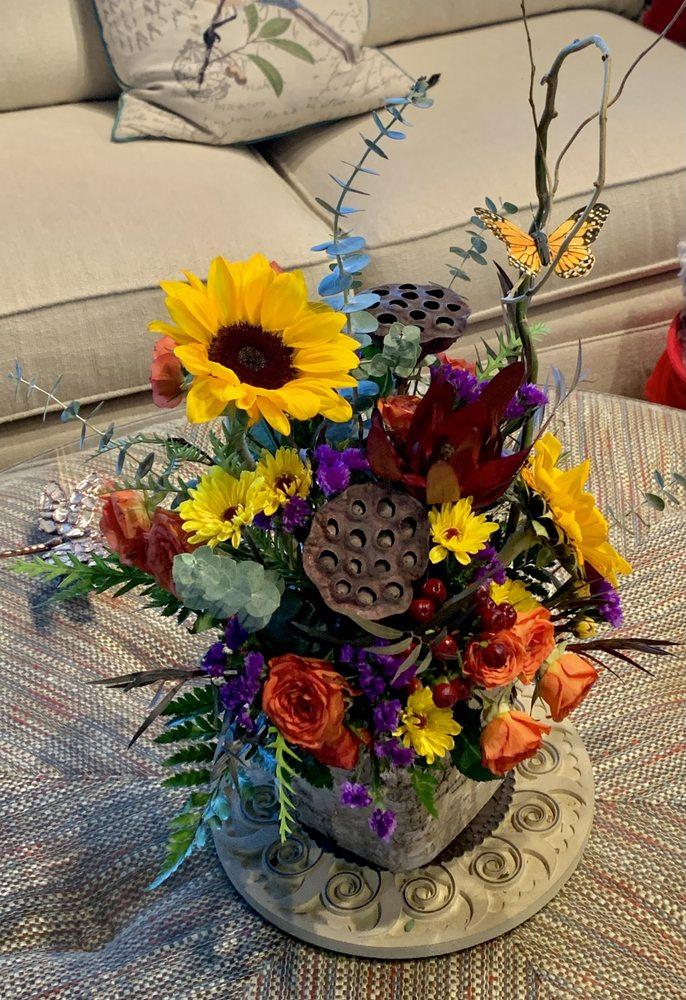 Village Florist: 638 S Main St, Jefferson, NC