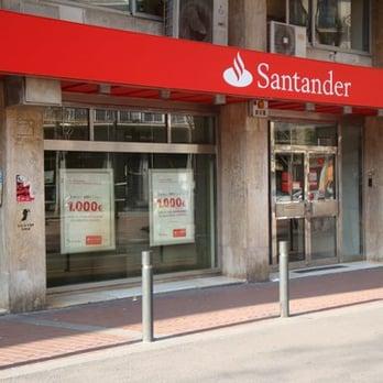 Banco santander bancos y cajas avinguda de mistral 4 for Oficinas banco santander en barcelona
