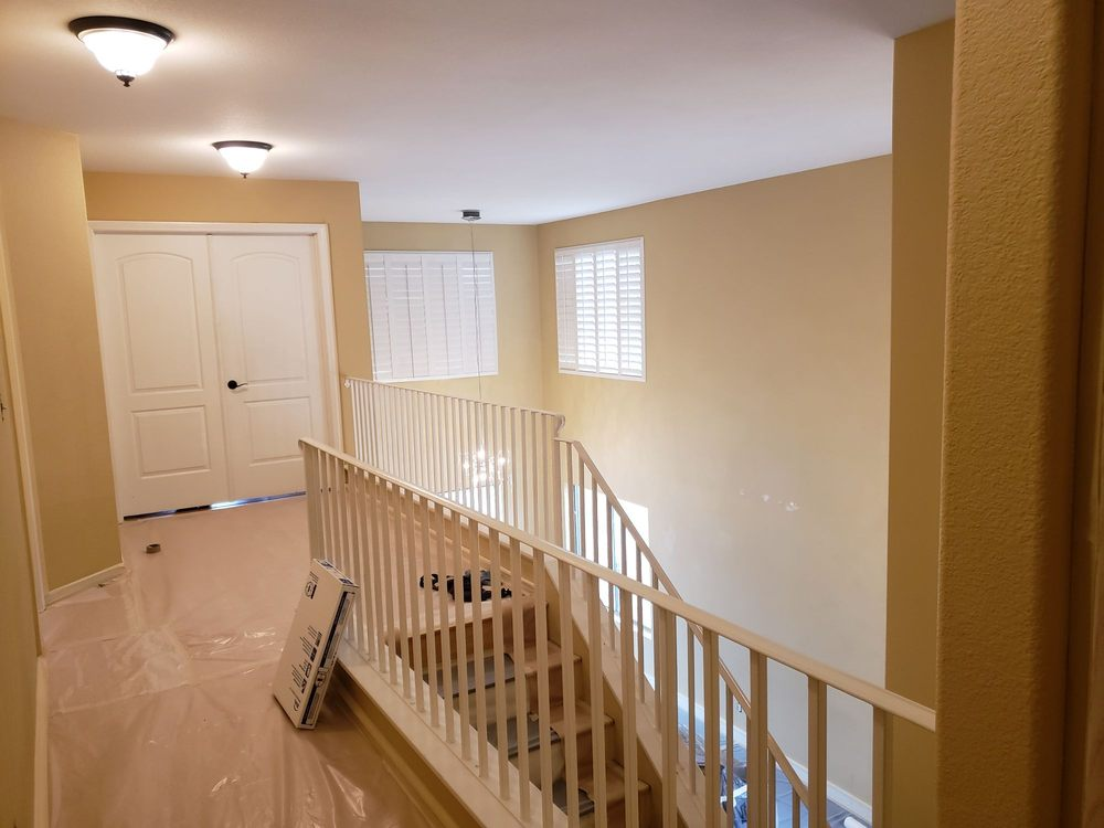 702 Painting & Drywall