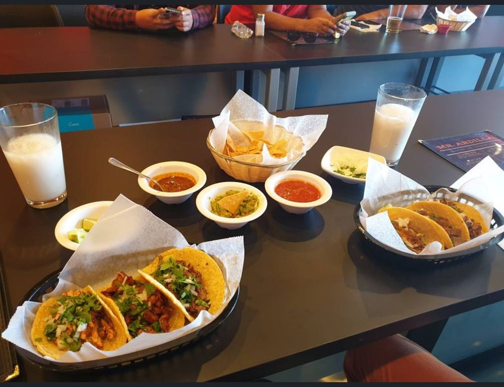 Mr Ardilla Mexican Restaurant & Sports Bar: 5862 Whittier Blvd, Los Angeles, CA
