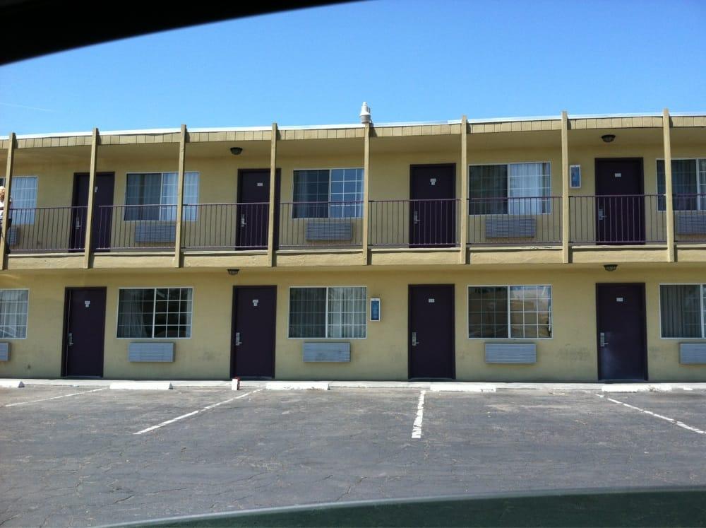 Travel Inn: 405 Cecil Ave, Delano, CA