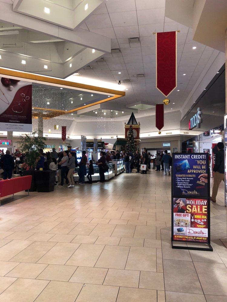 Mall del Norte: 5300 San Dario Ave, Laredo, TX