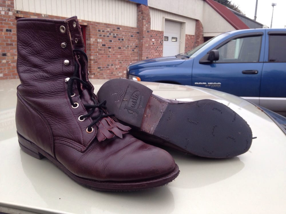 Shoe Mates Footwear and Repair: 540 NE 3rd St, Mcminnville, OR
