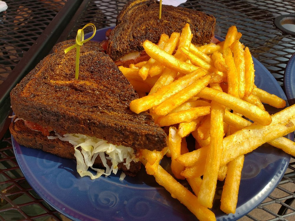 The Shores Restaurant: 7848 Birch Bay Dr, Birch Bay, WA