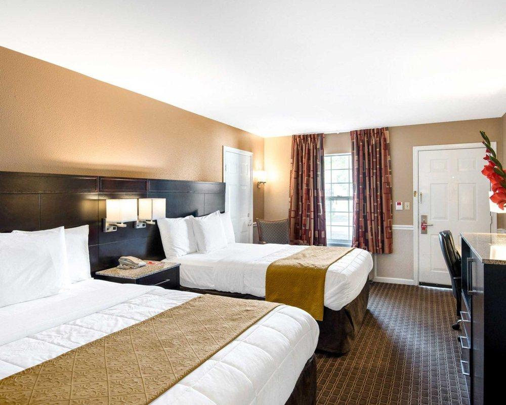 Econo Lodge: 10936 Market Lane, Princess Anne, MD