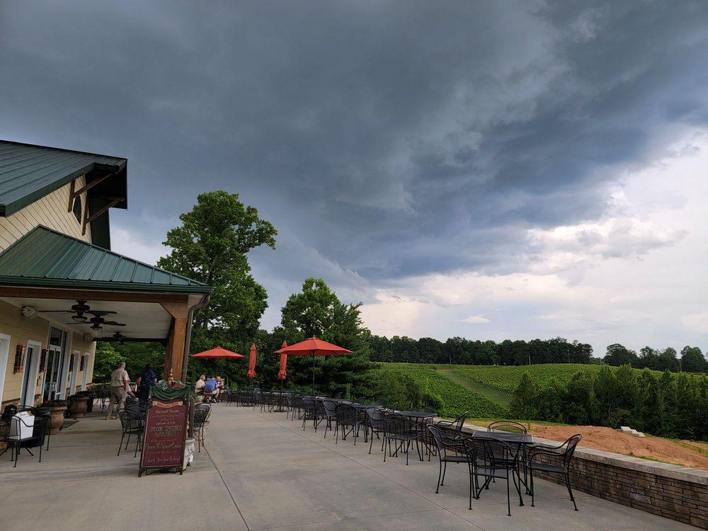 Jones Von Drehle Vineyards & Winery: 964 Old Railroad Grade Rd, Thurmond, NC