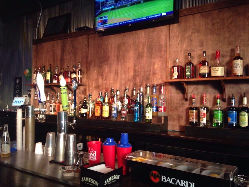 Mic's Pub: 3702 Huntington Ave, Covington, KY