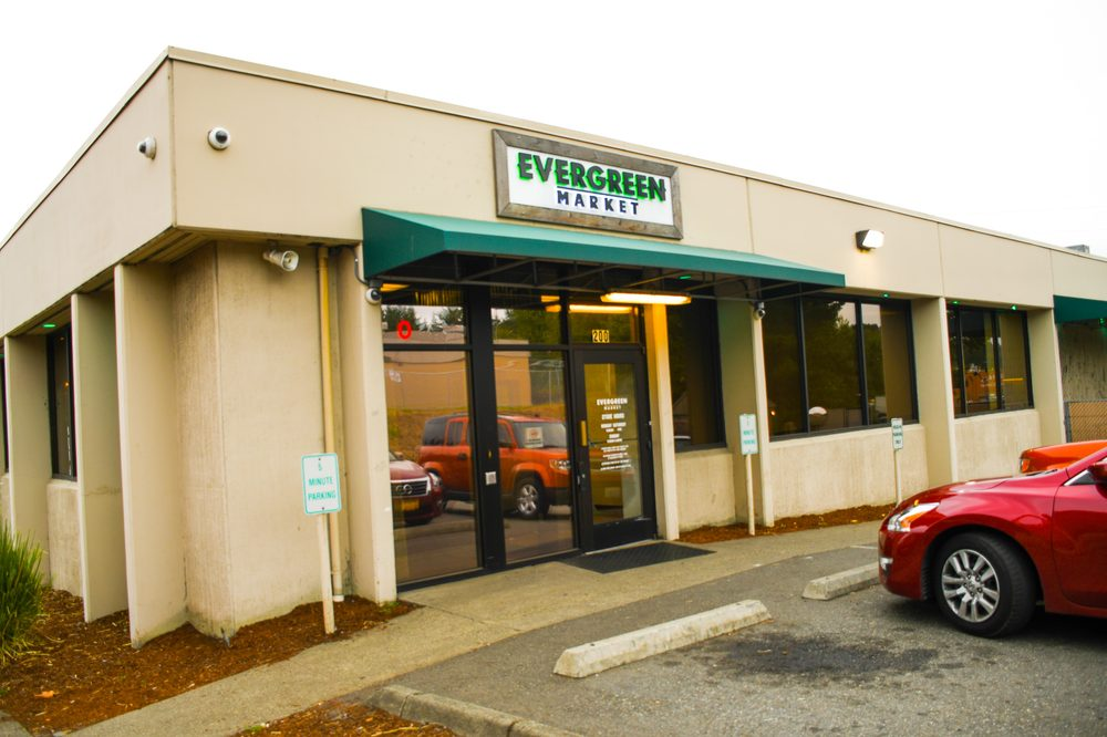 Evergreen Market - South Renton: 4242 E Valley Rd, Renton, WA