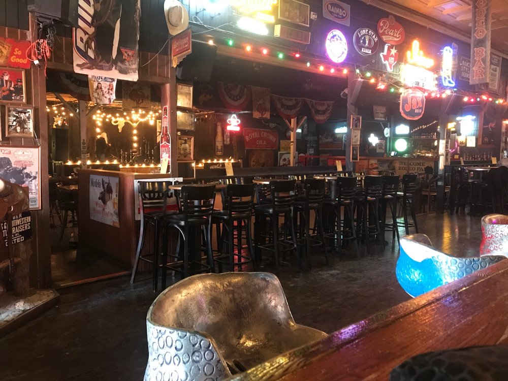 Red's Bar B Que-Stockyards: 121 W Exchange, Fort Worth, TX