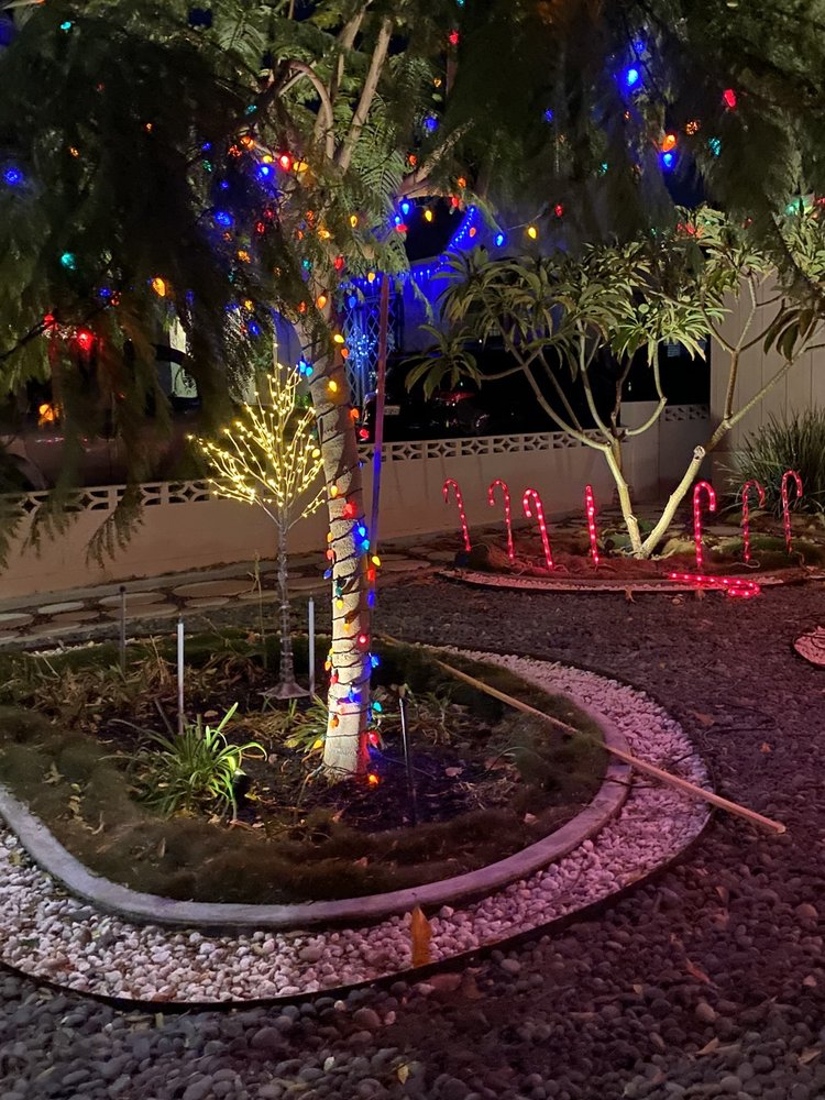 Norton's Winter Wonderland: 513 N Florence St, Burbank, CA