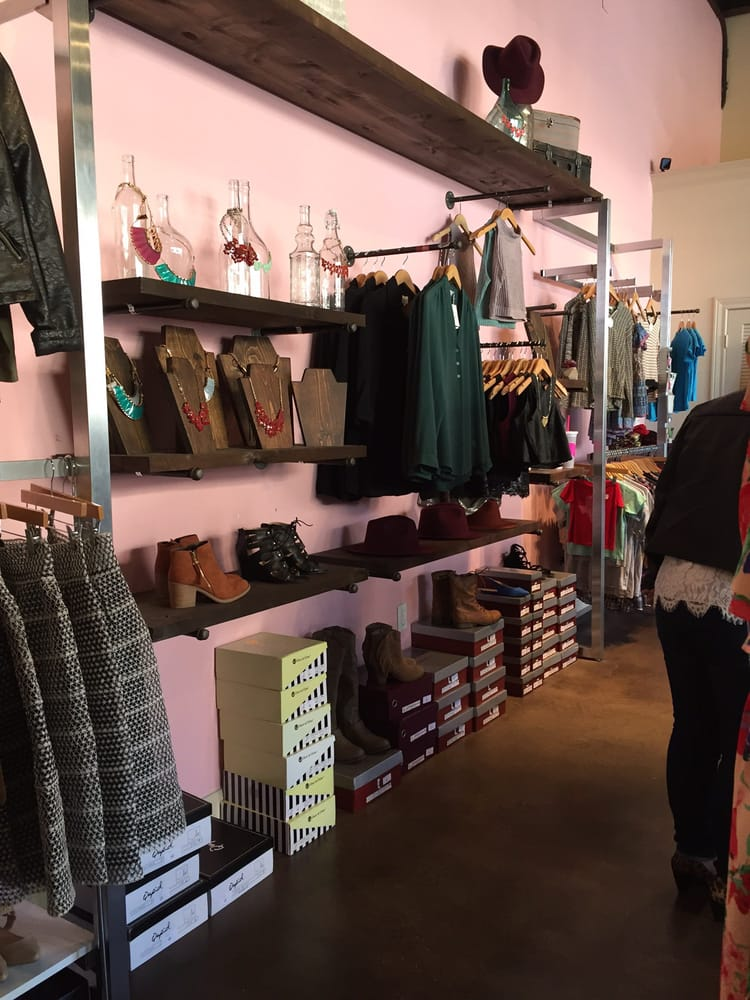 Pretty Little Things Boutique: 1660 W Lake Houston Pkwy, Houston, TX