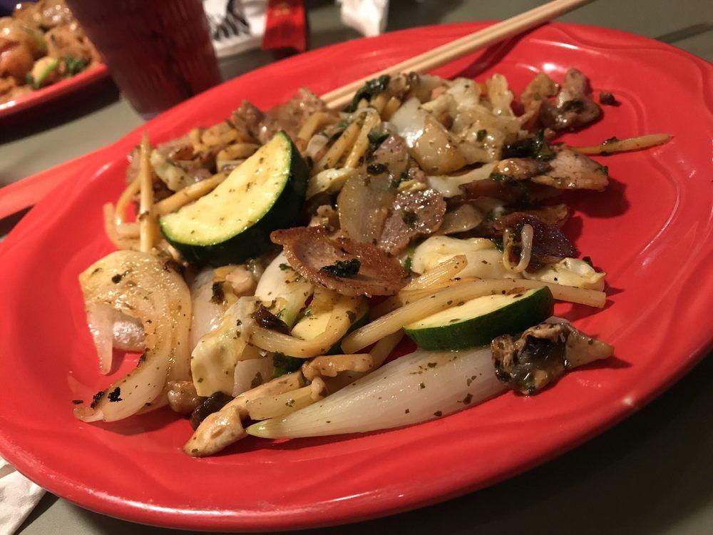 HuHot Mongolian Grill: 100 Manhattan Town Center, Manhattan, KS