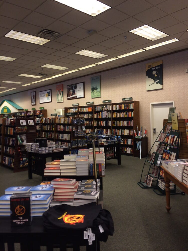 Barnes & Noble Booksellers: 2501 Tyrone Blvd N, Saint Petersburg, FL