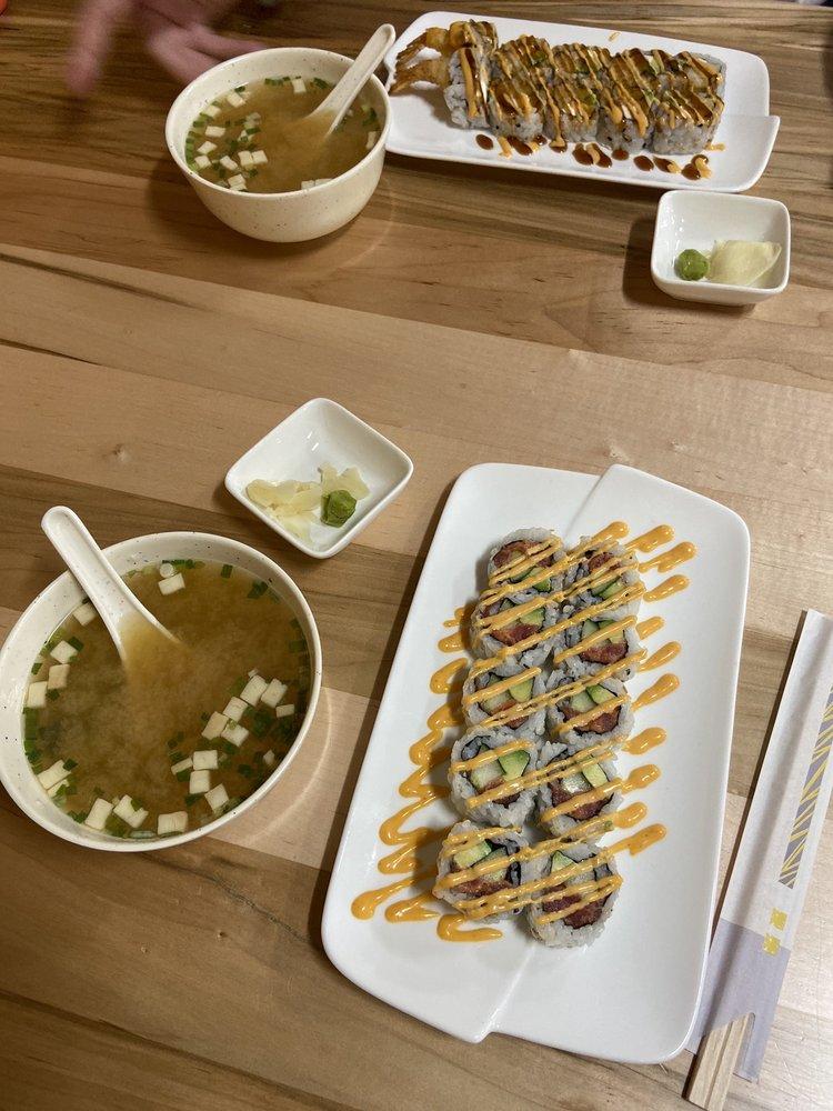 Splendid Sushi: 26 Pleasant St, Concord, NH