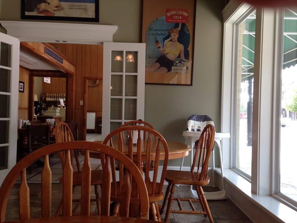 Our Daily Bread Bakery & Cafe: 118 S Main St, Fitzgerald, GA