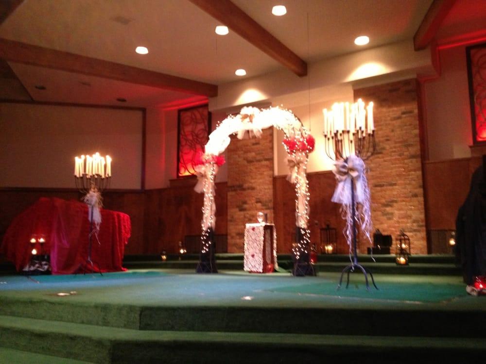 First Baptist Church: 1004 8th St, Shallowater, TX