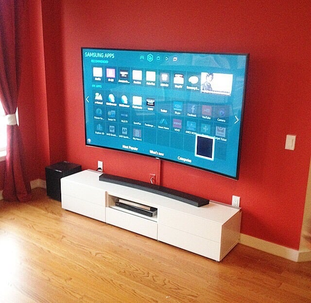 73 Samsung Curved Tv Mounted On Wall With Curved Soundbar Placed On
