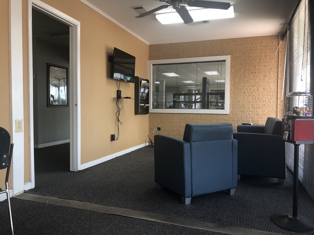 Cannon Chevrolet Buick: 114 N Davis Ave, Cleveland, MS