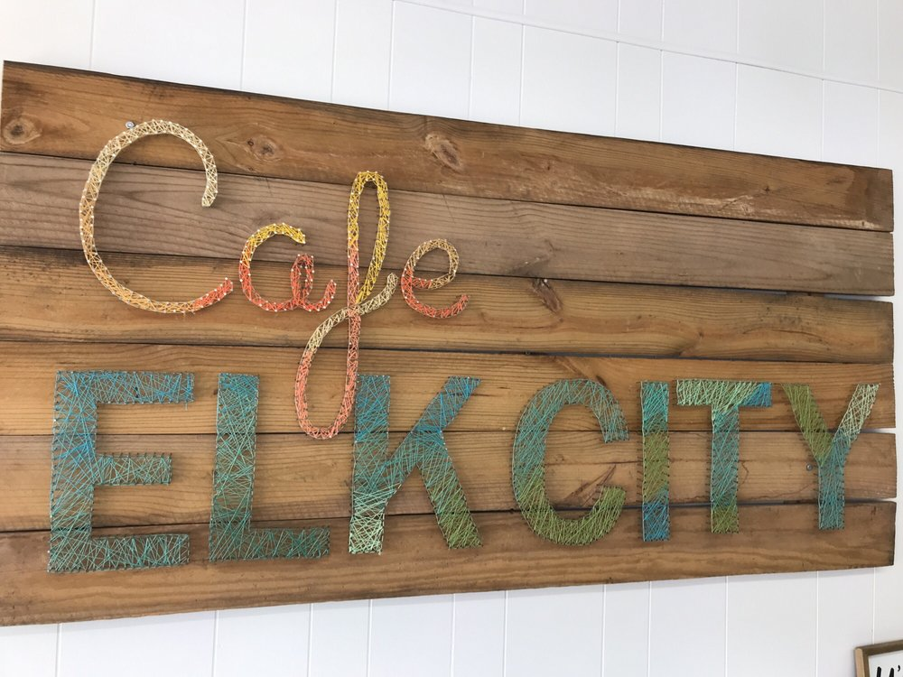 Cafe Elk City: 107 W 5th St, Elk City, OK