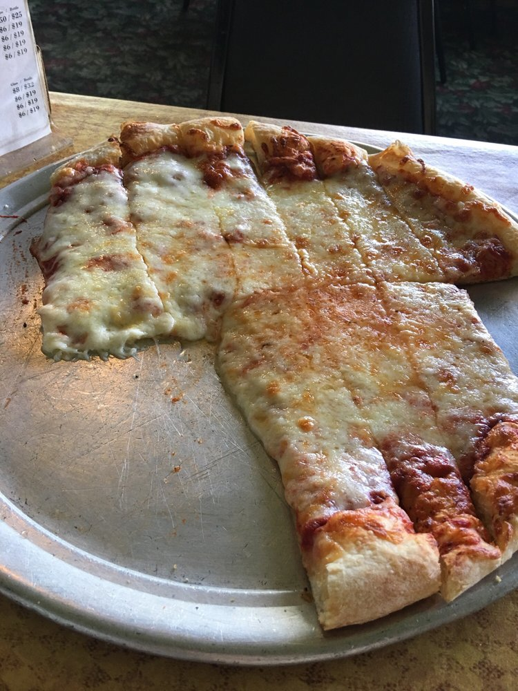 Lindy's Restaurant: 57983 M 62, Cassopolis, MI