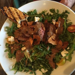 ... CA, Stati Uniti. Beef with arugula salad is the best salad for lunch