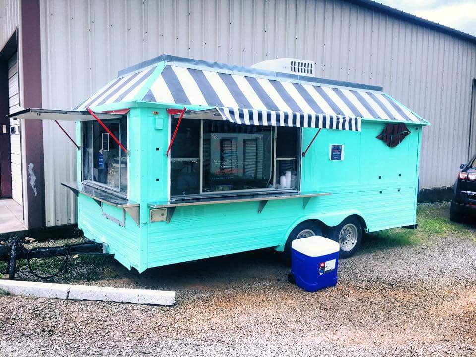 Smackers Food Truck: 477 Hwy 64, Mulberry, AR