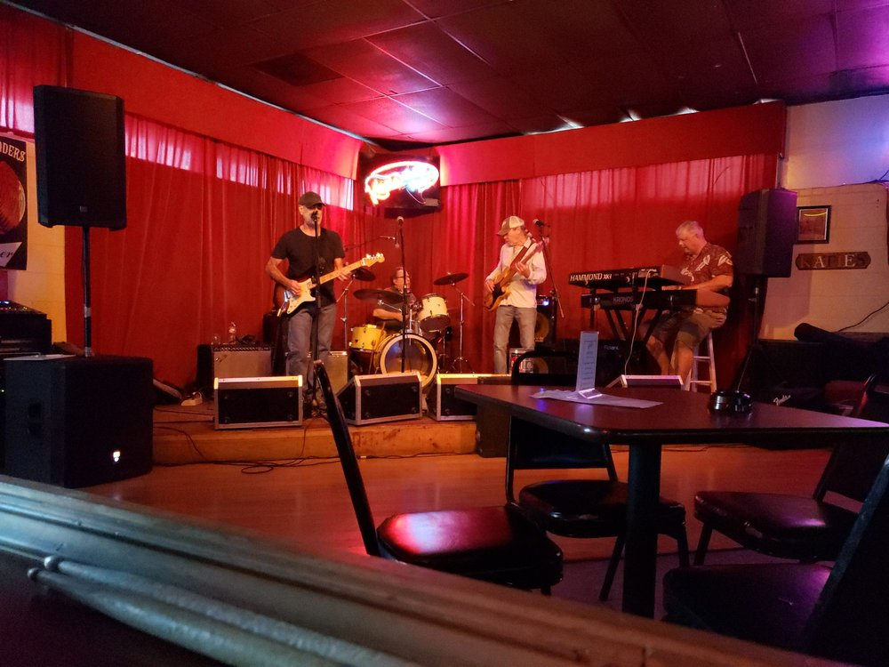 Katie's Bar & Grill: 315 Grand Ave, Bacliff, TX