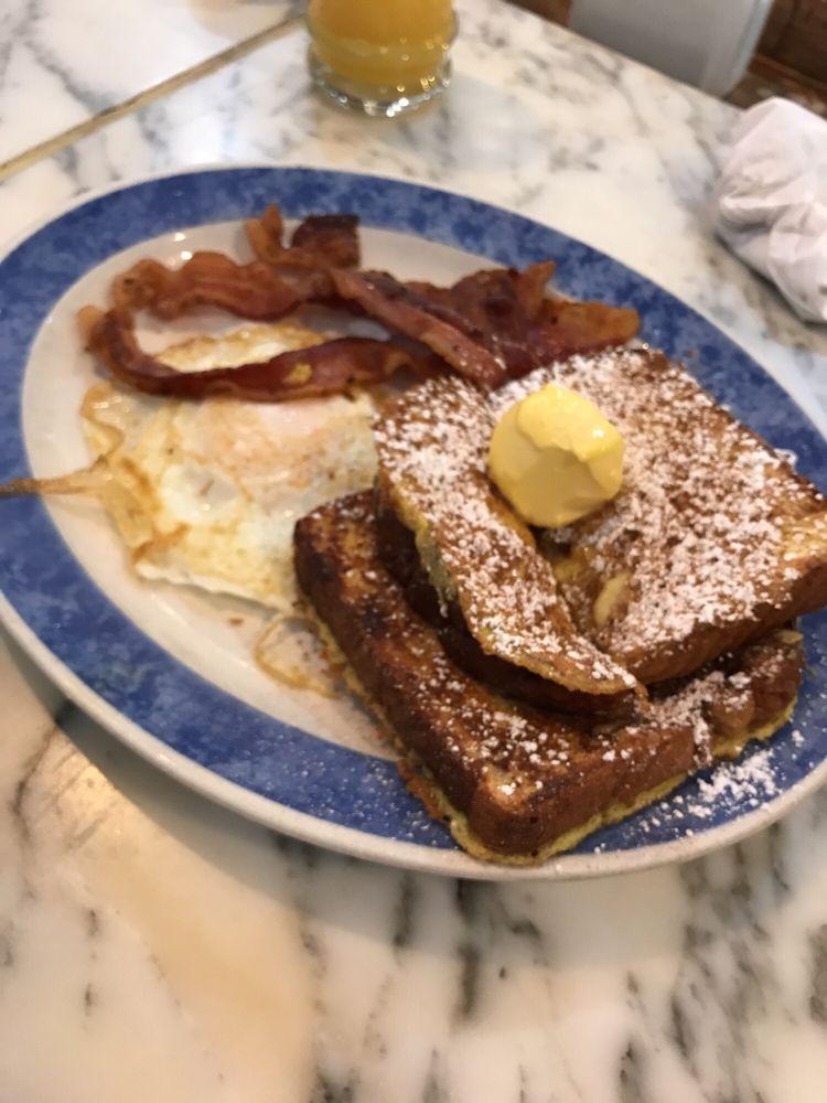 Brownie's Diner: 990 Main St, Brawley, CA