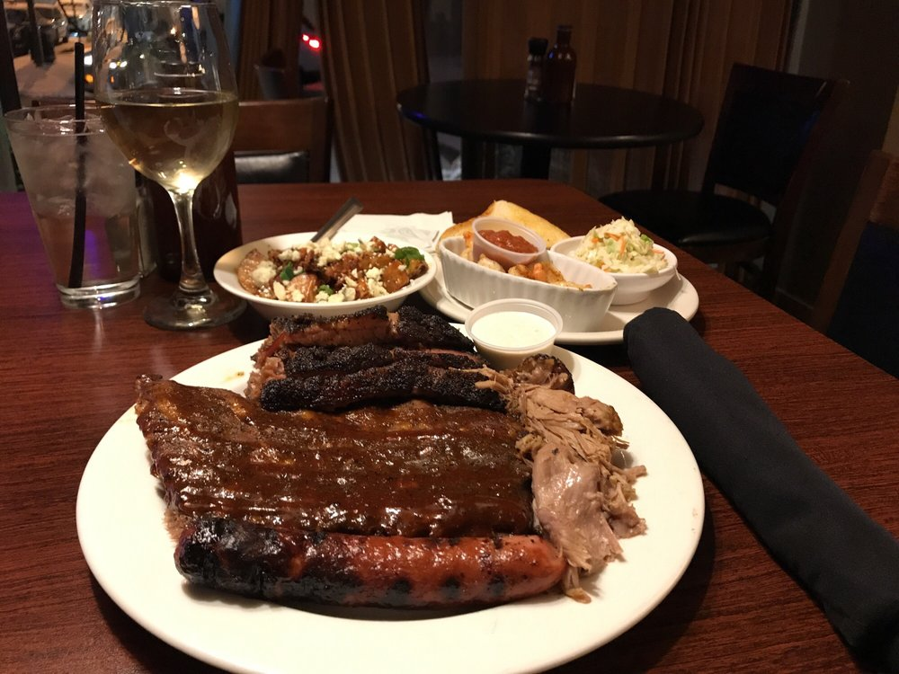Smoked On 3rd BBQ Bistro & Catering: 14 E 3rd St, Sterling, IL