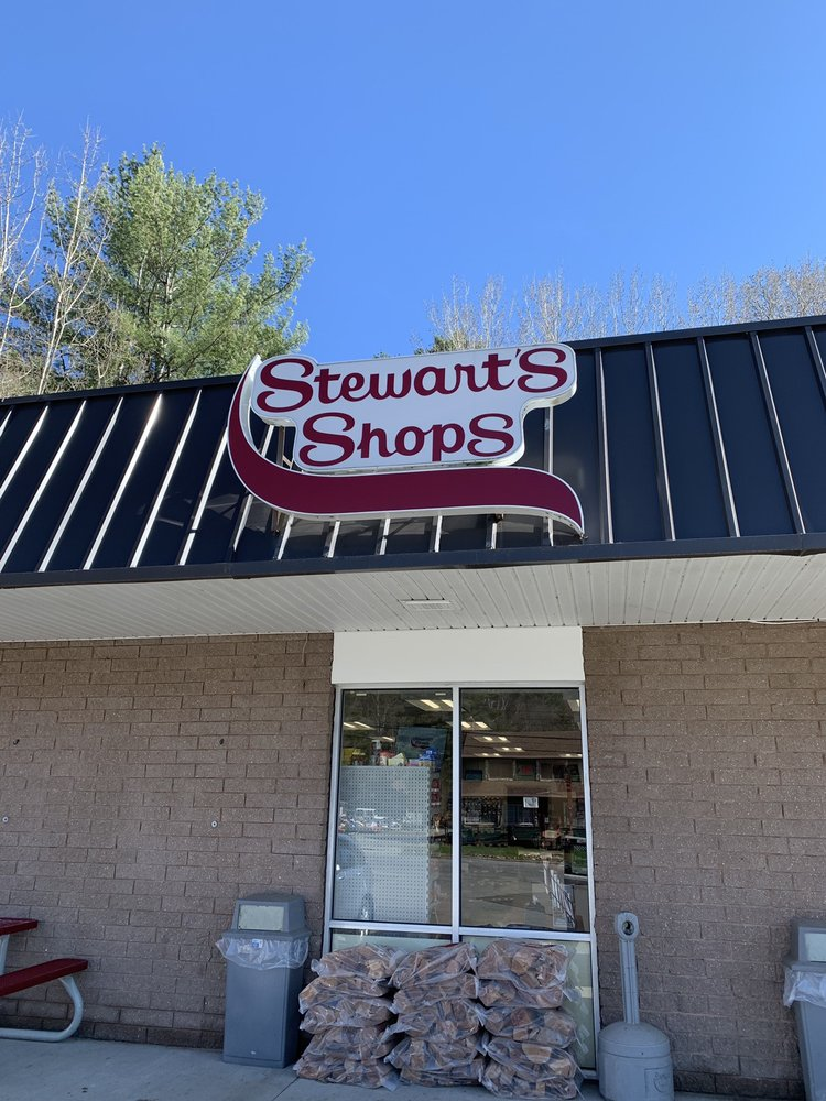 Stewart's Shop: 28 N, Long Lake, NY