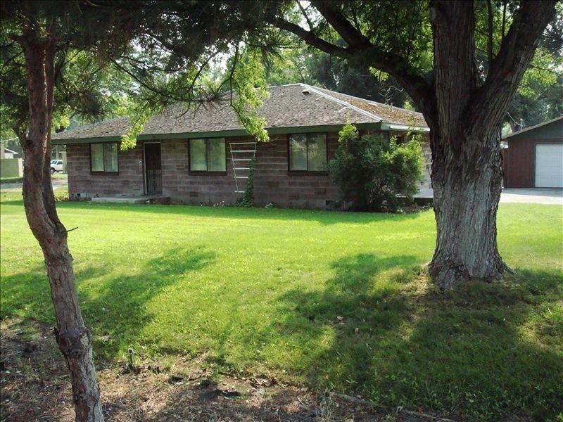 Beach RV Park and Vacation Rental: 100 Abby Ave, Benton City, WA