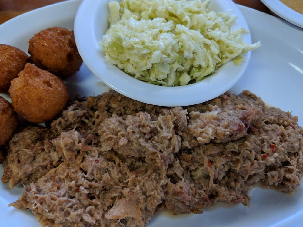 T L's Country Kitchen: 812 US Hwy 64, Manteo, NC