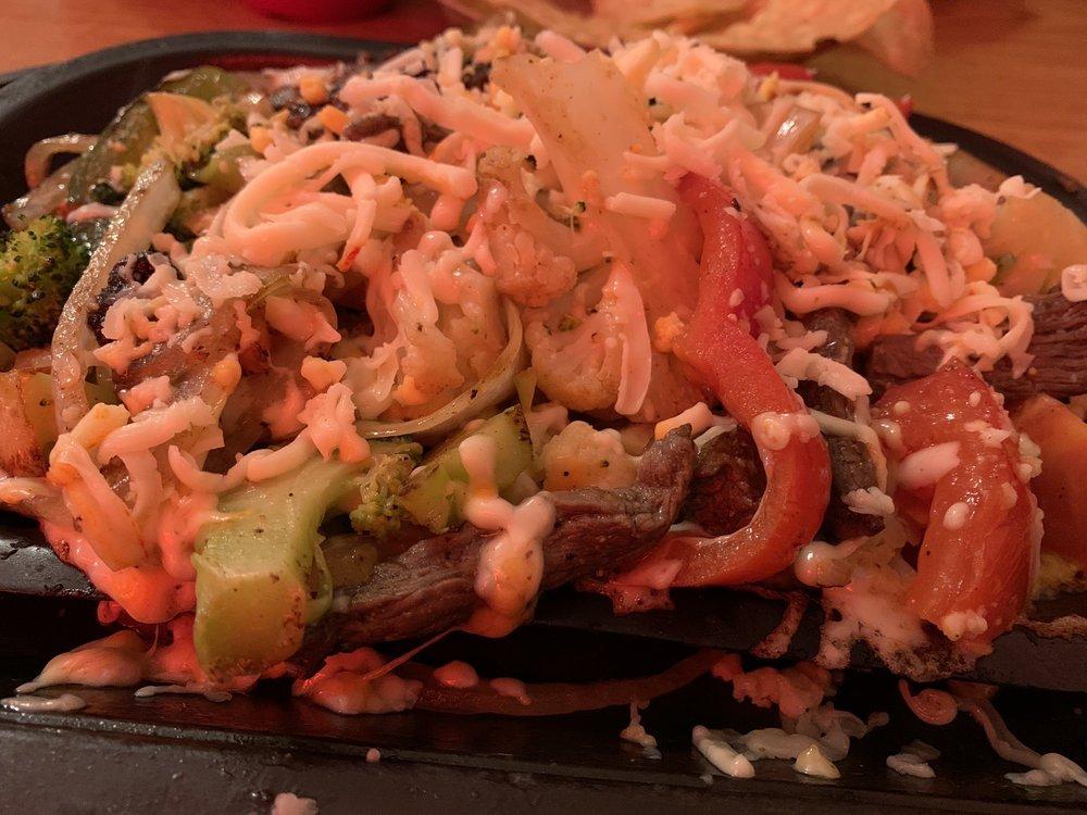 El Zarape Mexican & American Restaurant: 1206 13th Ave, Mendota, IL