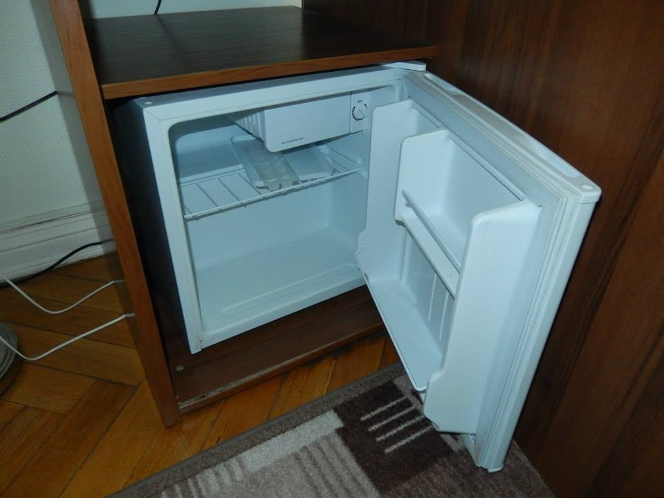 Mini Kühlschrank Zimmer : Minikühlschrank im zimmer yelp