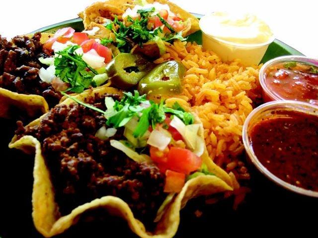 Las Cazuelas Grill: 4122 Oakwood Blvd, Melvindale, MI