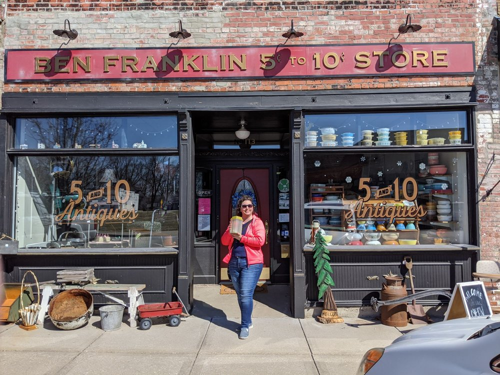 5 And 10 Antiques: 113 First St, Pleasant Hill, MO
